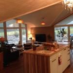 Wohnzimmer und Küche aus Richtung Flur